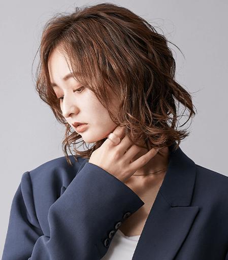 ミディアムのスタイルのヘアカタログ・ヘアスタイル・髪型のイメージ・テイスト画像